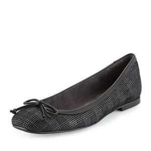 Stuart Weitzman shoestring Flats Pewter Scotch